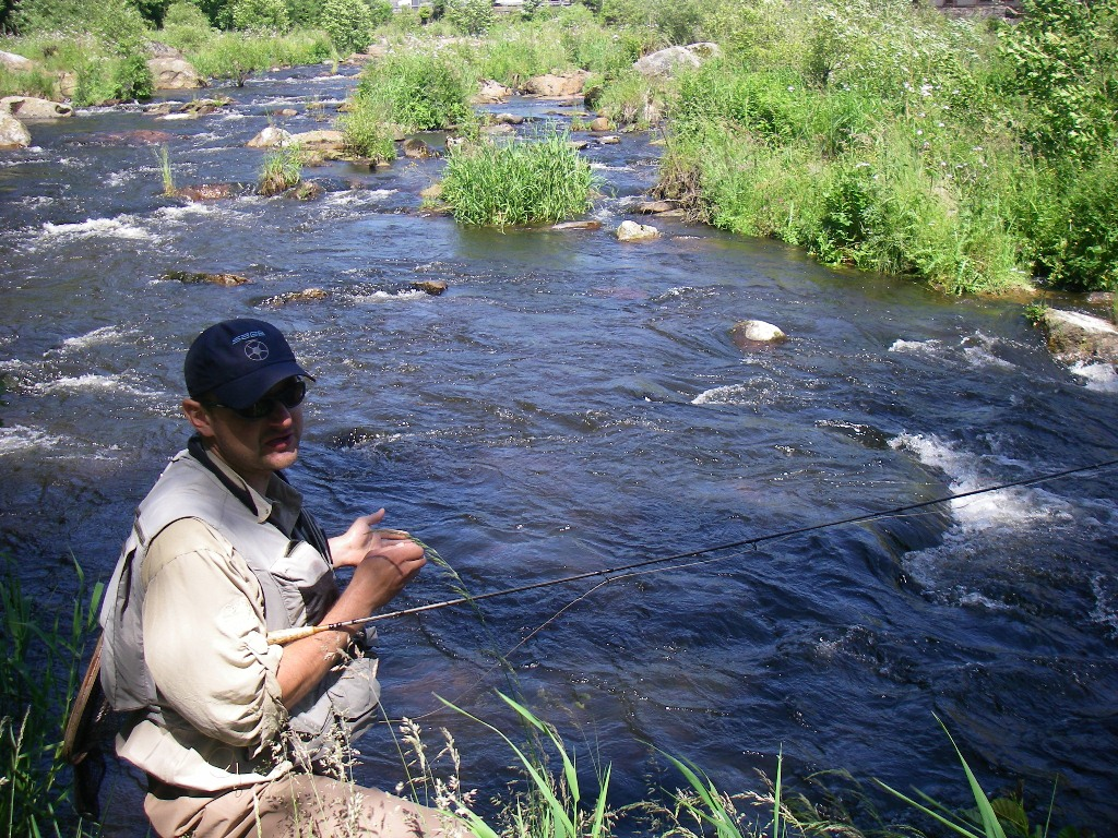 With a dry fly. Milan demonstrates dry fly fishing in the second place of the second day.